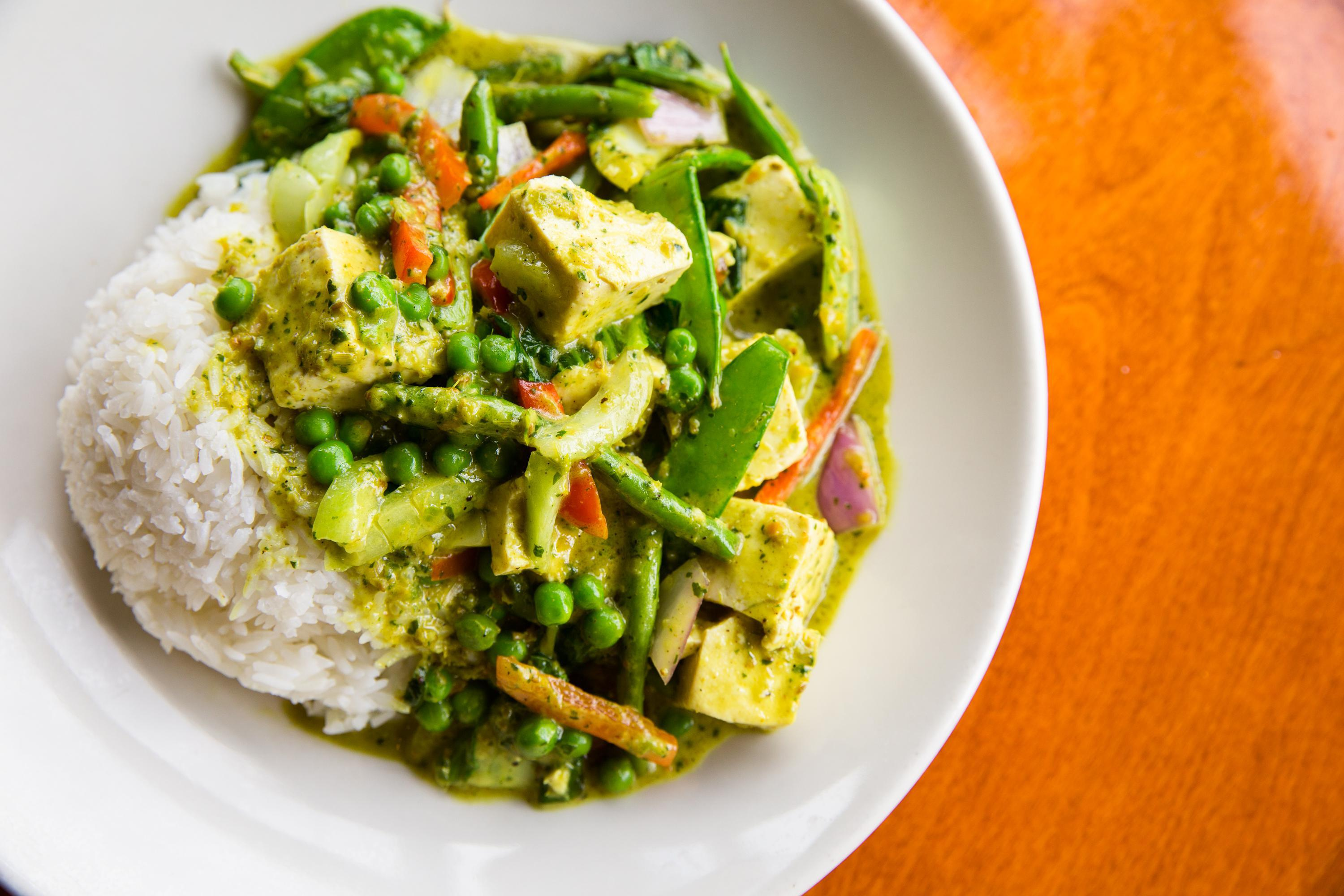Spicy Thai Green Vegetable Curry with Tofu