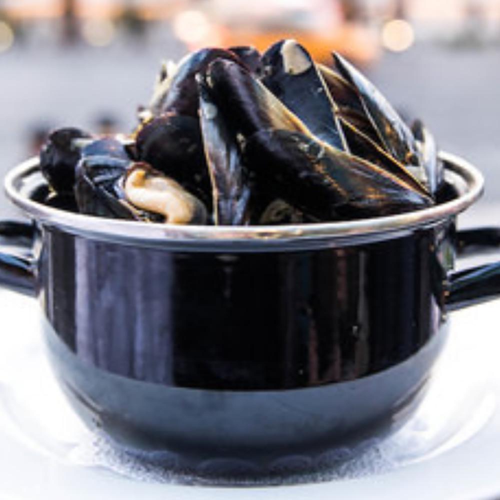 Half Pot of Mussels Marinière
