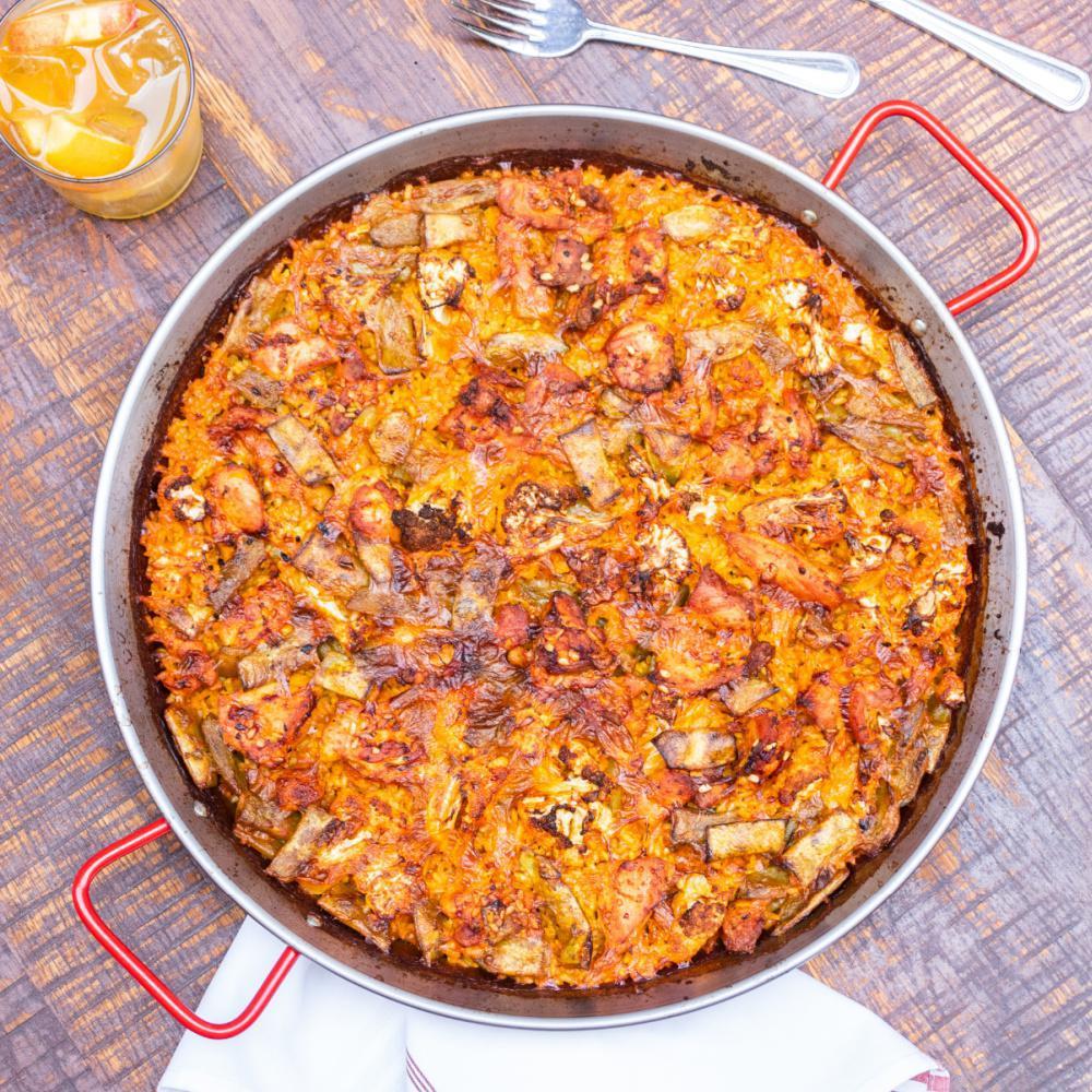 'Paella de Mariscos' with Shrimp, Squid, Cod & Fennel