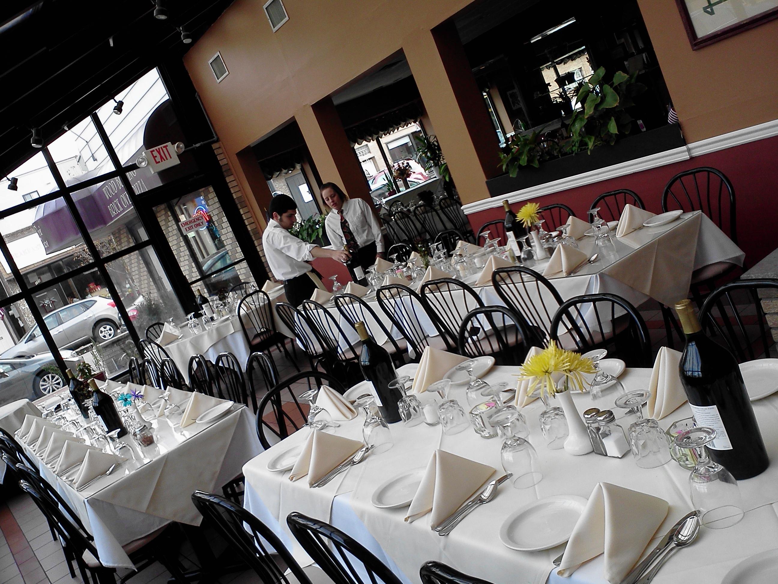 Atrium Dinning at Caffe Capri
