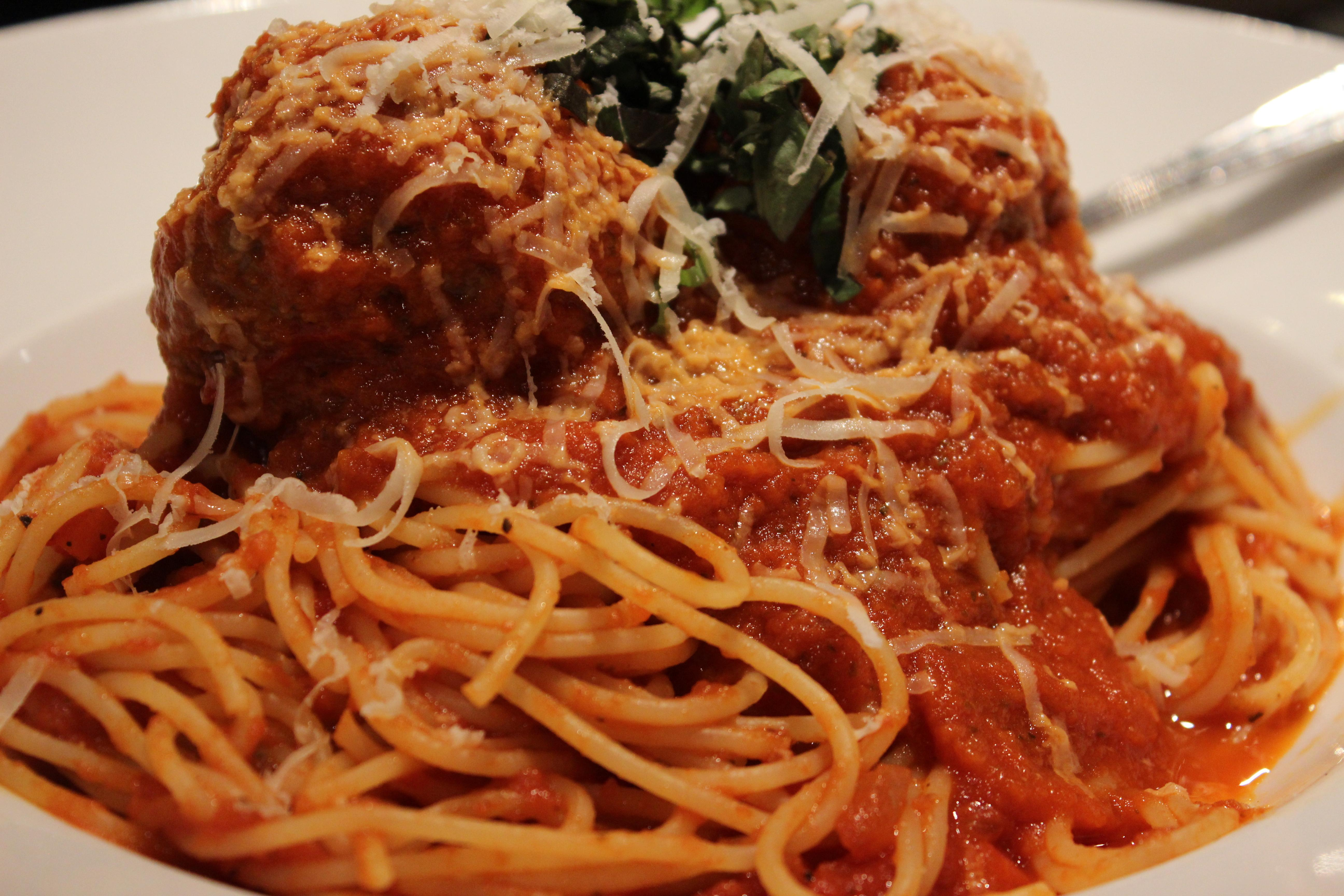Spaghetti and Meatballs at Zona 78