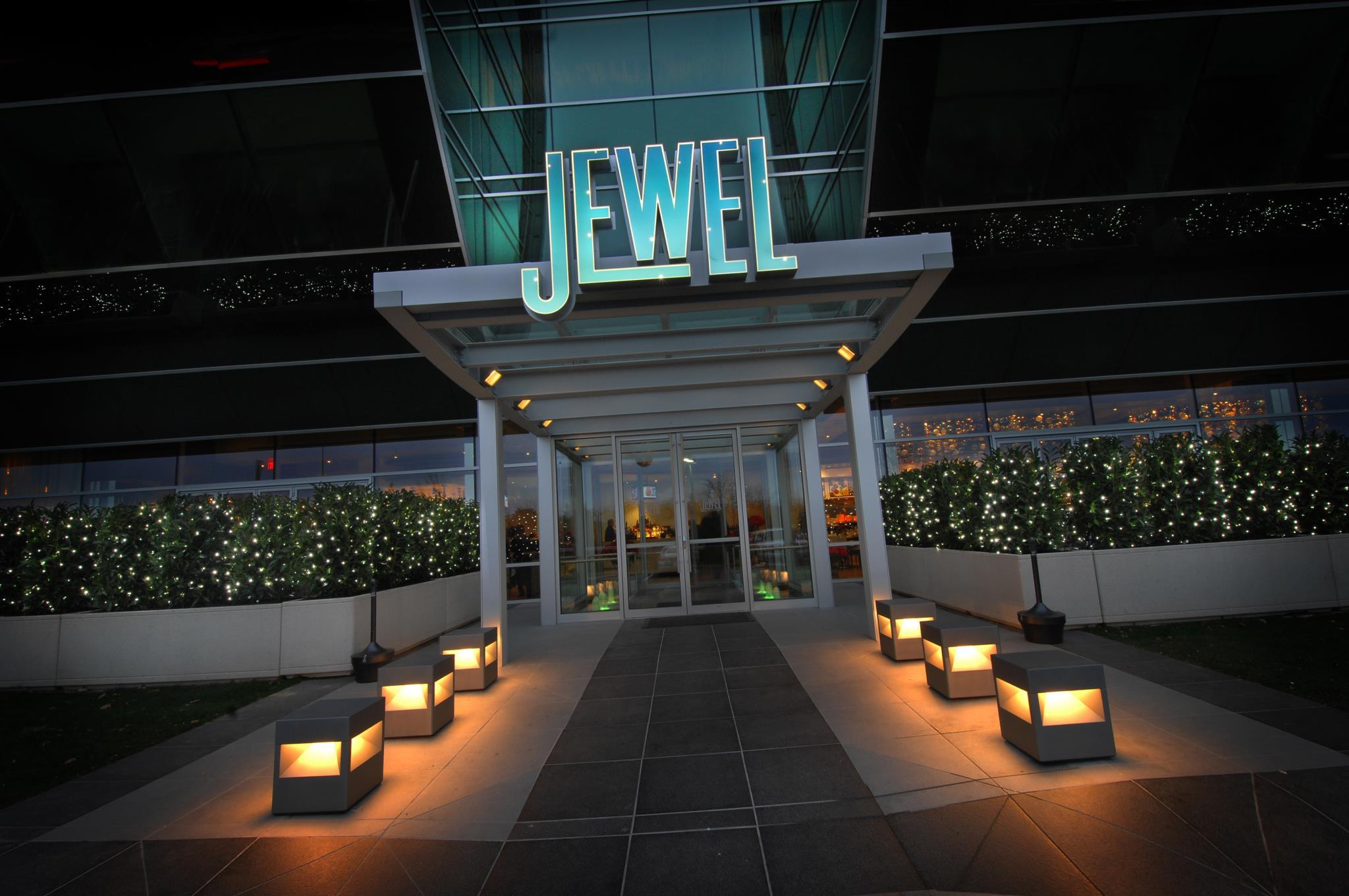Photo at Jewel by Tom Schaudel