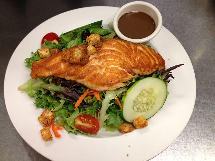 Grilled Salmon Salad at Sir Edmond Halley's