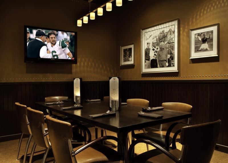 Private Dining - Coach's Corner Photo 8