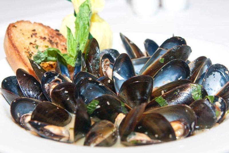 Prince Edward Island Mussels at Cafe L'Europe