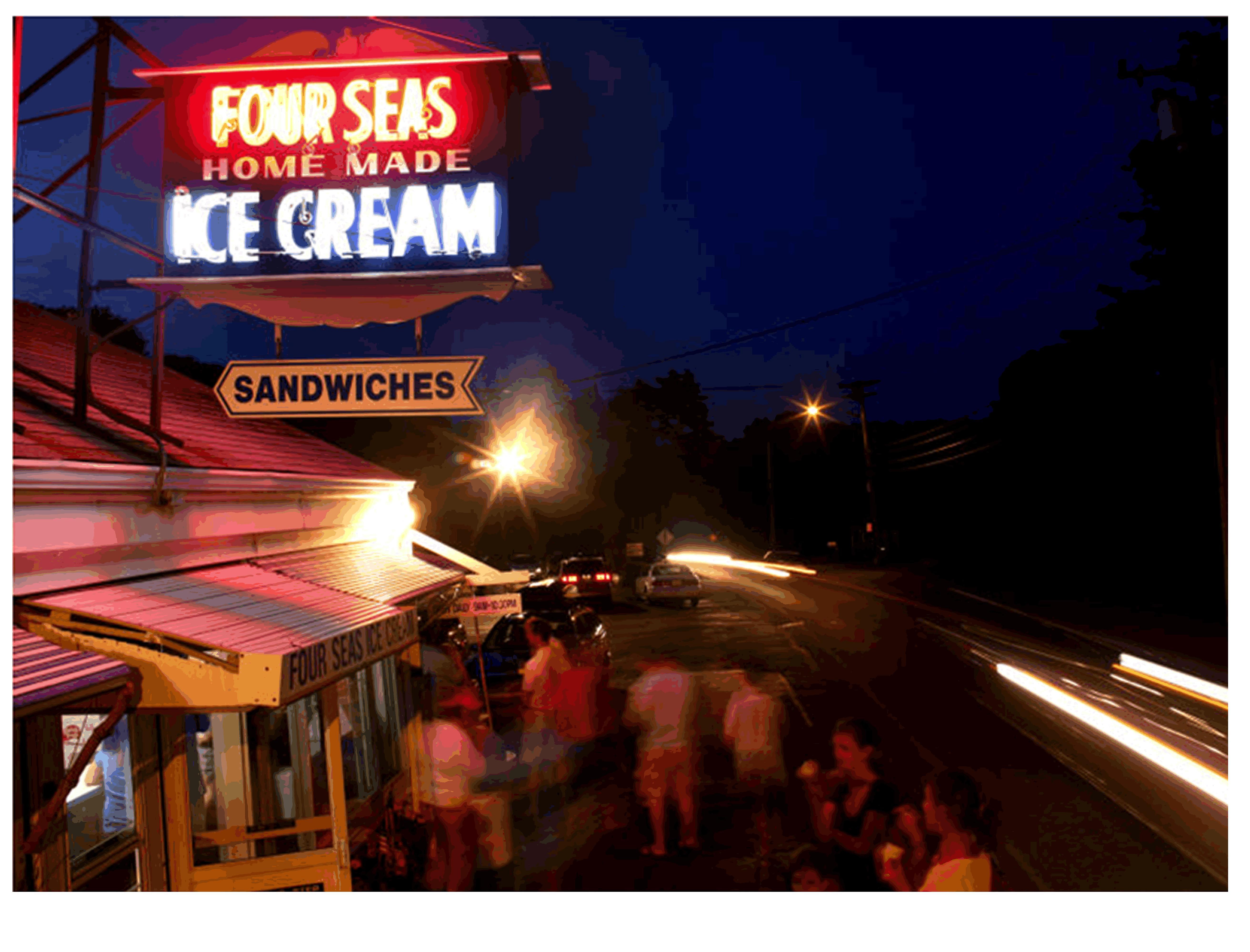 Four  Seas Ice Cream - Cape Cod - @ night at Four Seas Ice Cream