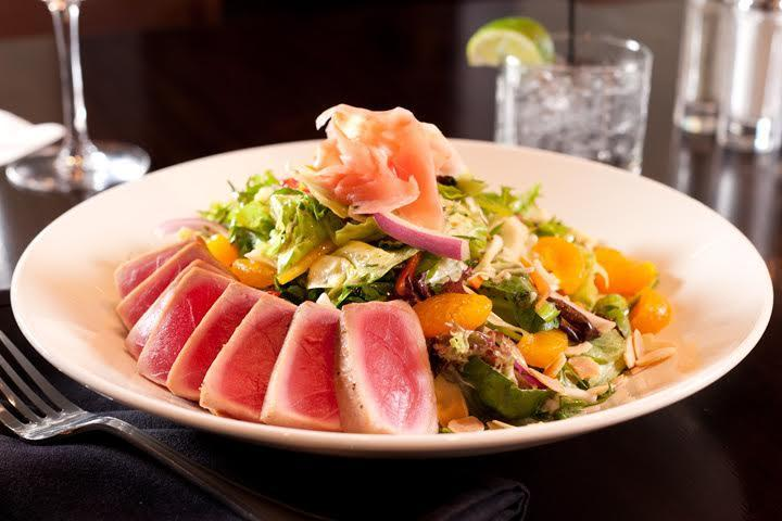 Asian Salad with Seared Tuna Photo 32