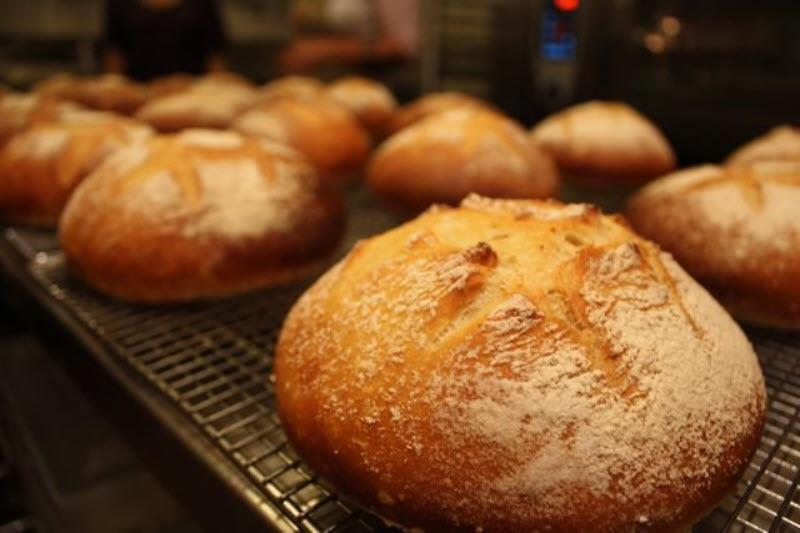 PhotoSPsW8 at Charlie's Best Bread