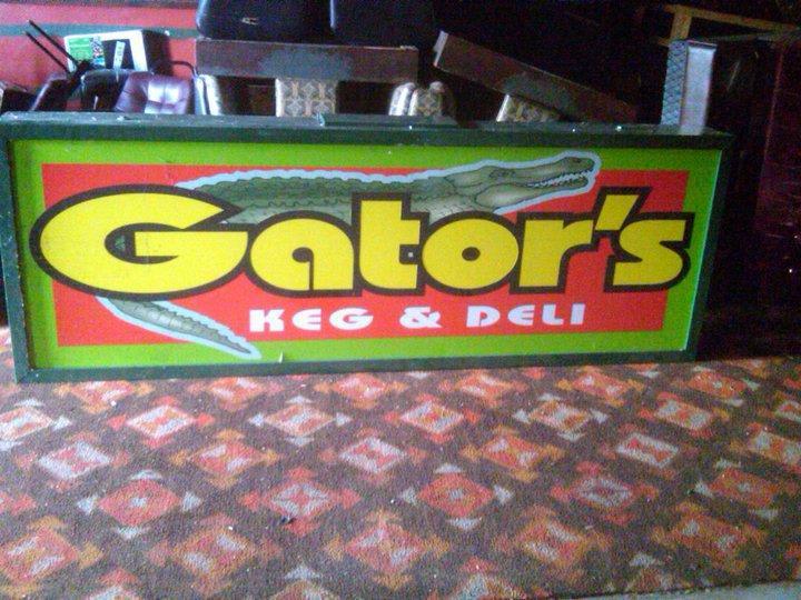 PhotoSPIbO at Gators Pub & Eatery