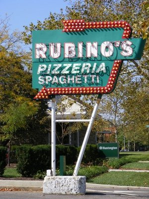 Rubinos Pizza