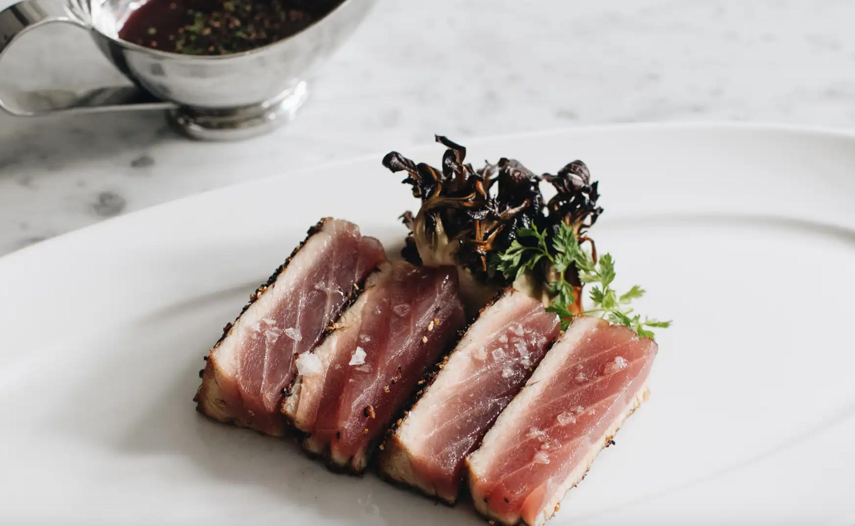 Tuna au Poivre*